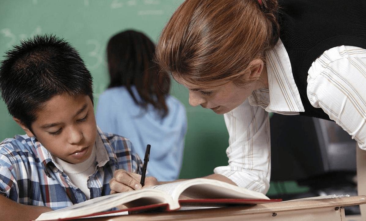 """如何可以更好地规避从业教师后或将遇到的""""烦恼"""""""